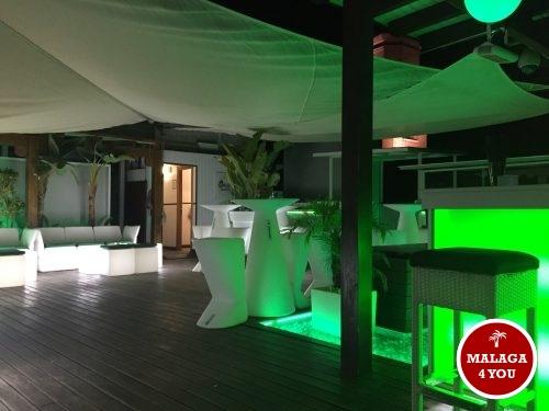 oasis hostal rooftop lounge