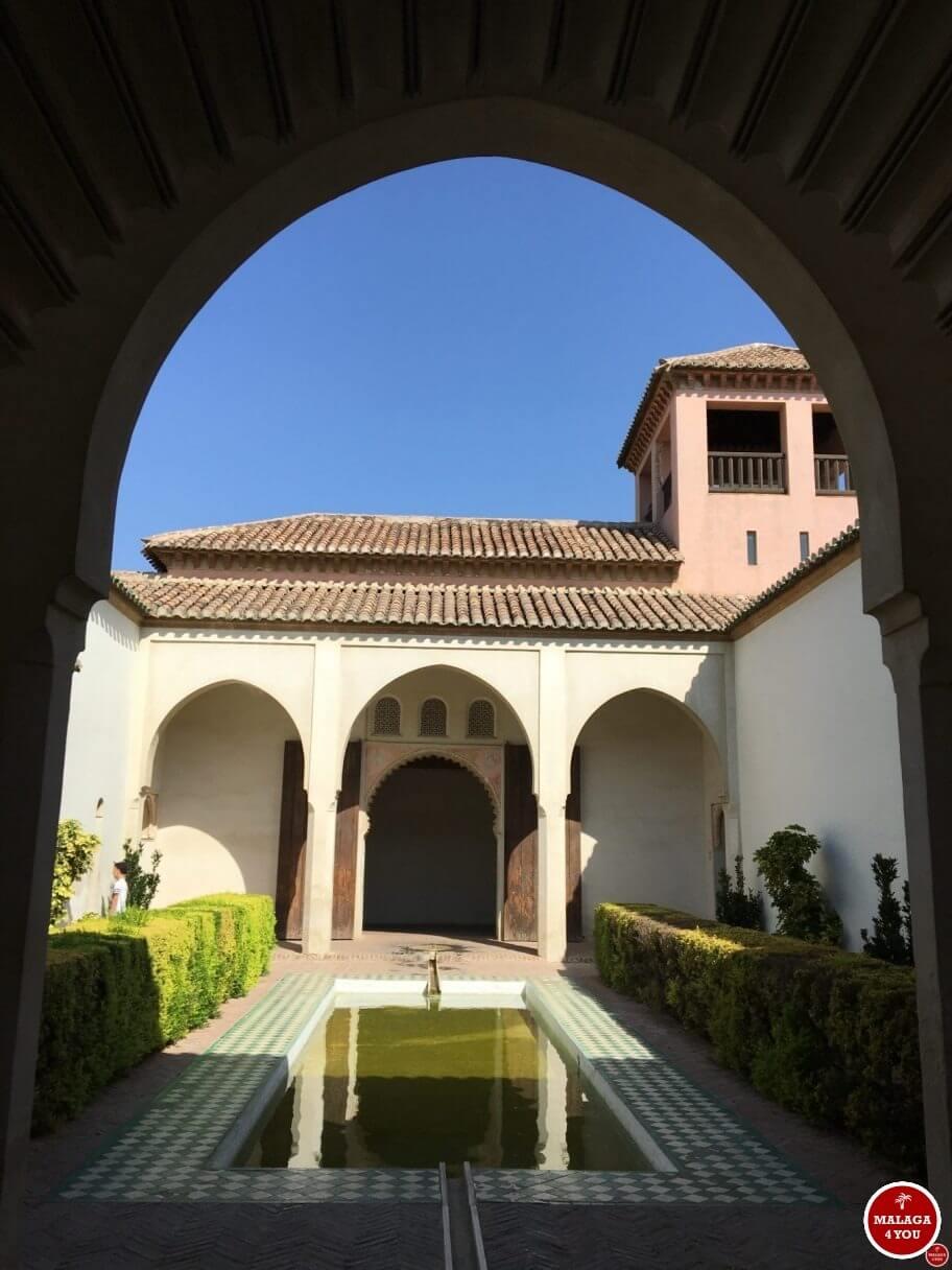 1 dag in Malaga - alcazaba patio