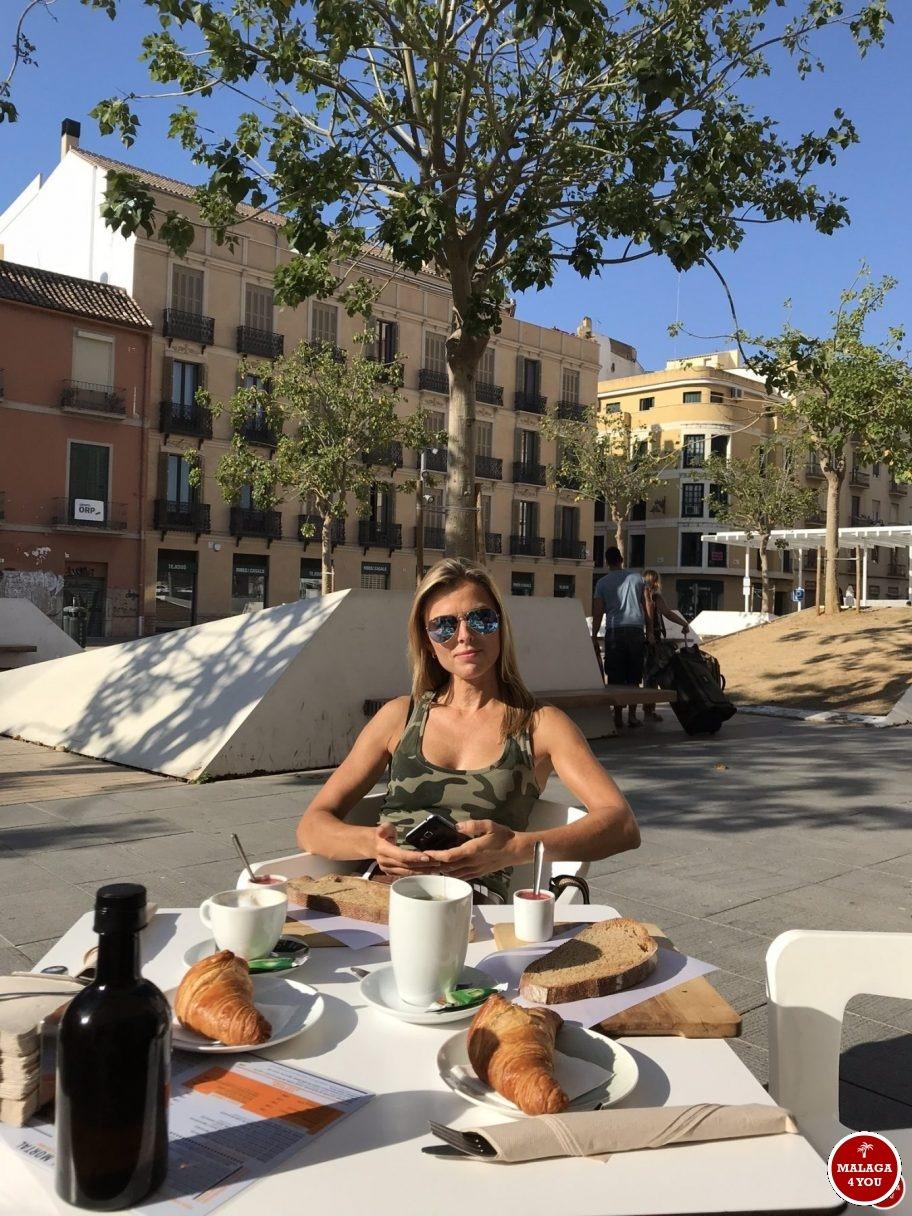 1 dag Málaga - recyclo bike cafe ontbijt